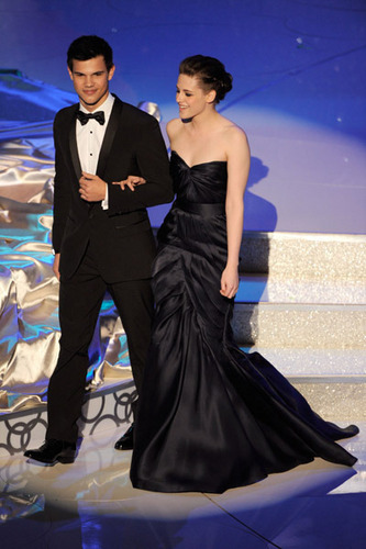 Taylor & Kristen at the 82nd Annual Academy Awards 2010