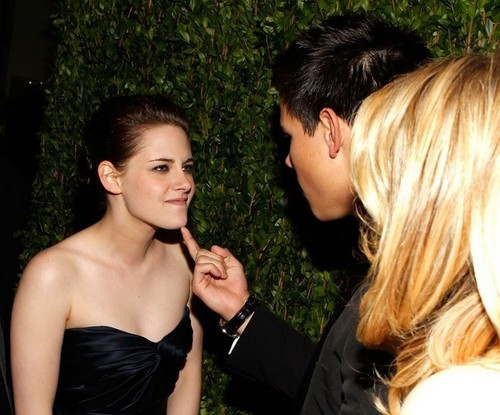kristen and taylor