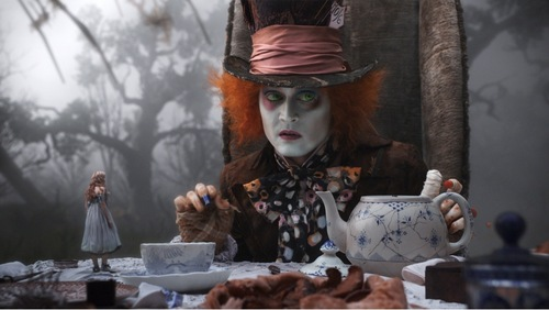 thêm new Alice in Wonderland pics