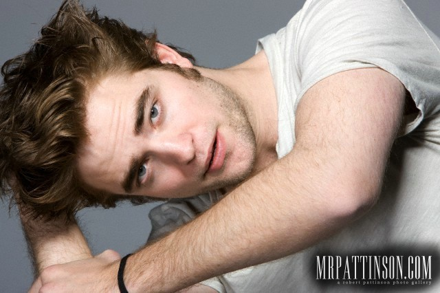 *New* Entertainment Weekly Outtakes With Robert Pattinson, Kristen Stewart & Taylor Lautner