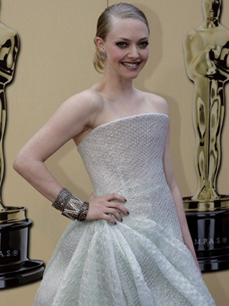 Amanda Seyfried wallpaper titled Amanda @2010 Oscars