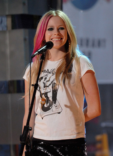 Avril lavigne live!!
