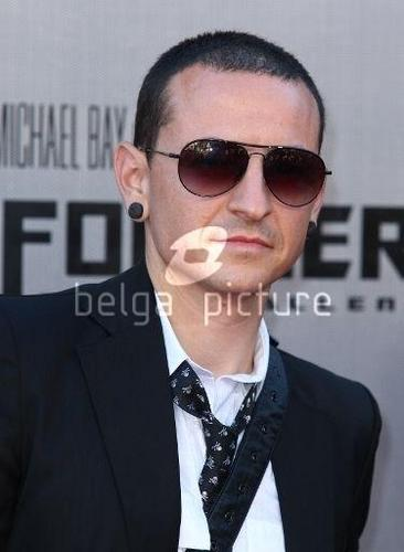 Chester Bennington hình nền entitled ChEstEr