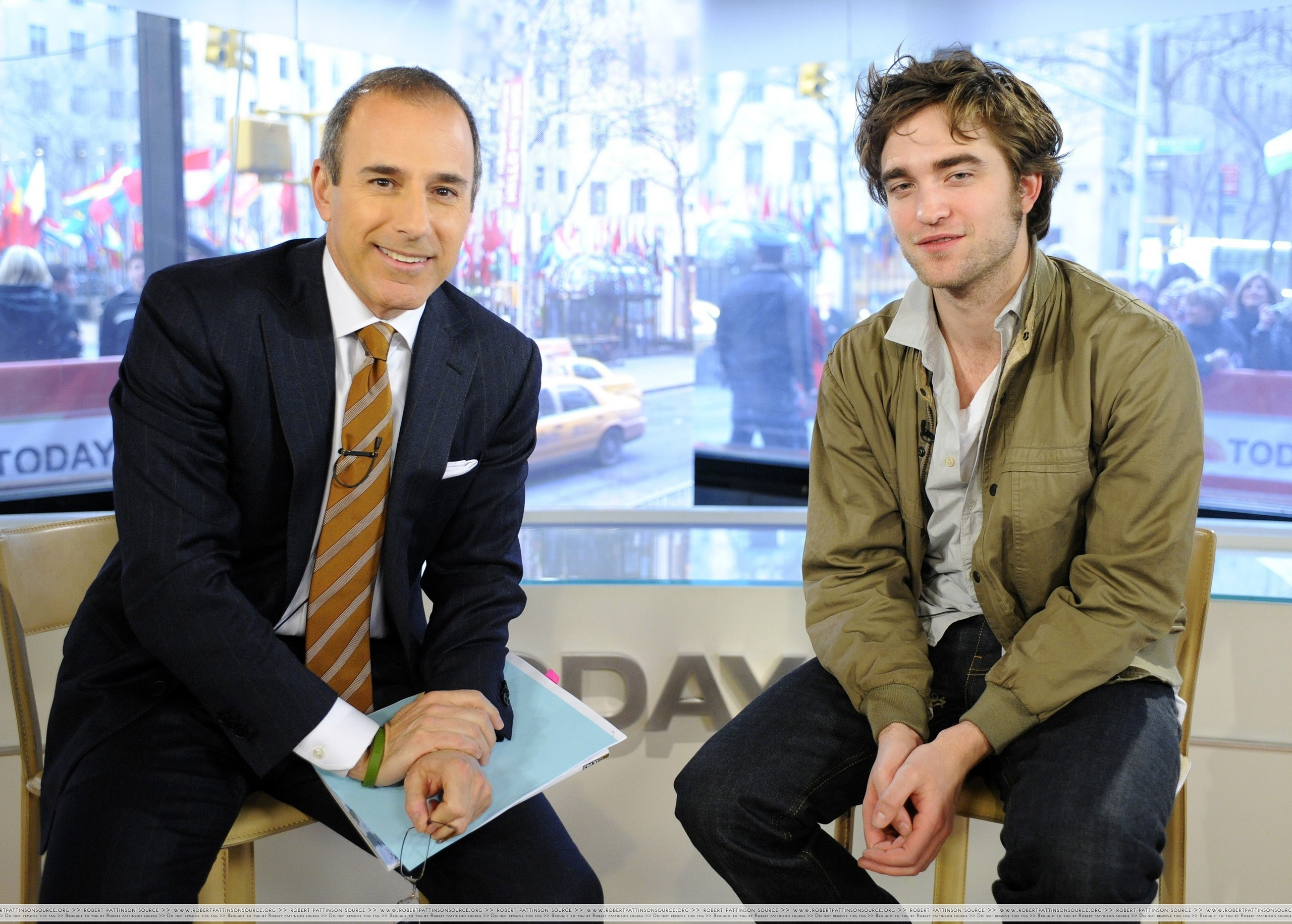 "HQ चित्रो Of Robert Pattinson On ""The Today Show"""
