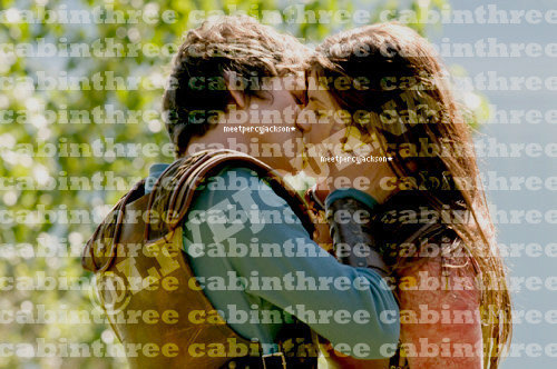 Percy Jackson And Annabeth Chase wallpaper called I think I'll die...but I'll kill her first....<3333