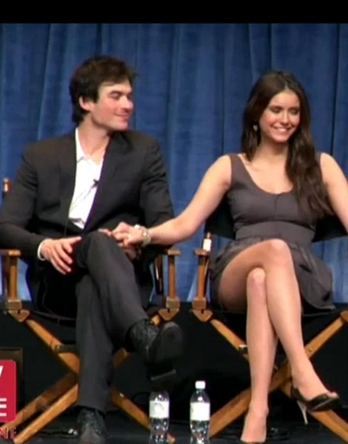 Ian Somerhalder and Nina Dobrev wallpaper entitled Ian/Nina ♥ holding hands ♥