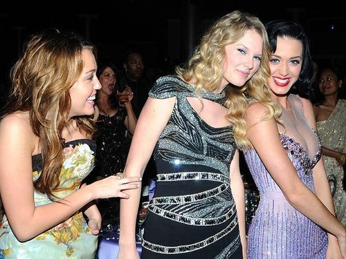 Katy Perry, Taylor rapide, swift and Miley Cyrus