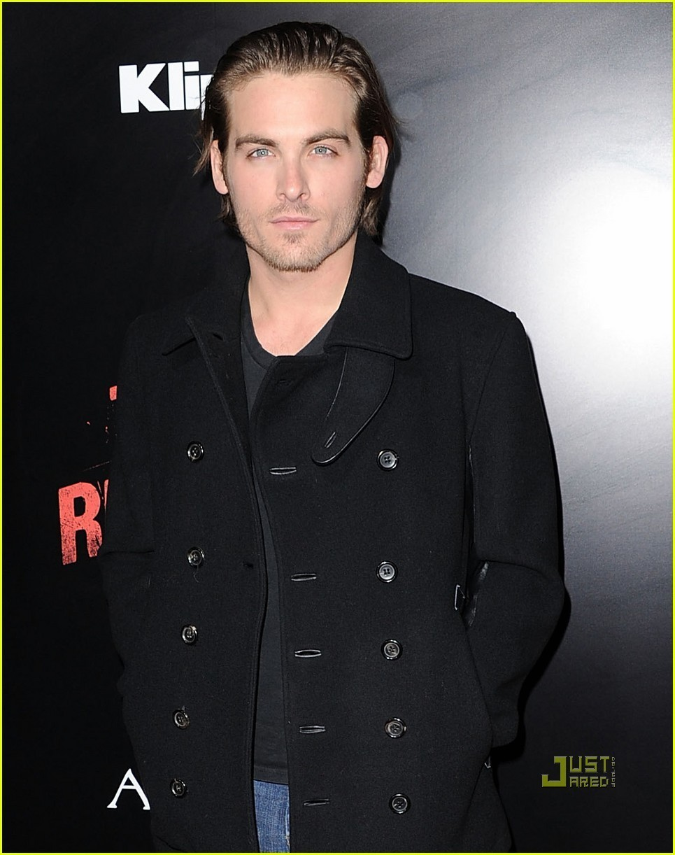 Kevin Zegers - Photo Gallery