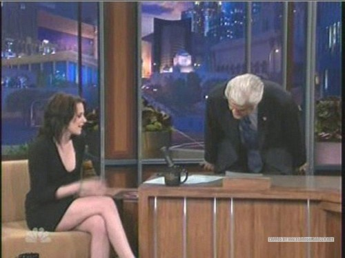 Kristen on The Tonight toon With vlaamse gaai, jay Leno