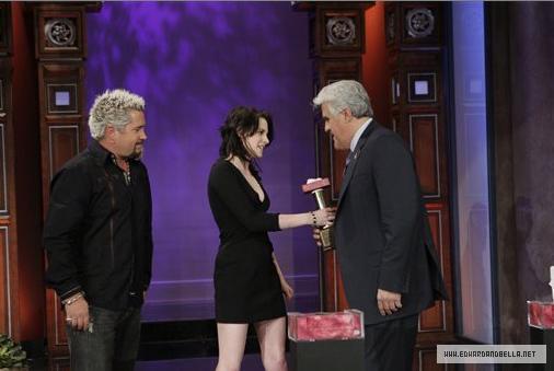 Kristen on The Tonight mostrar With arrendajo, jay Leno