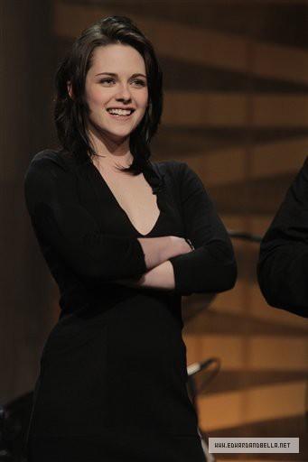 Kristen on The Tonight প্রদর্শনী With স্থূলবুদ্ধি বাচাল ব্যক্তি Leno