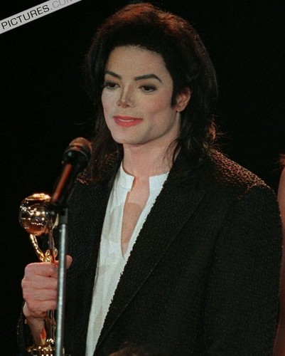 MICHAEL JACKSON ALL THE WAY!! FOREVER IN MY hati, tengah-tengah :D