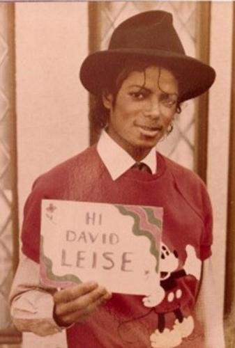 MJ <33