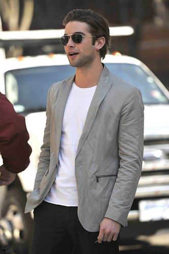March 08: Chace on the 'Gossip Girl' set