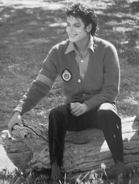 もっと見る And もっと見る and Guess What? もっと見る Michael...