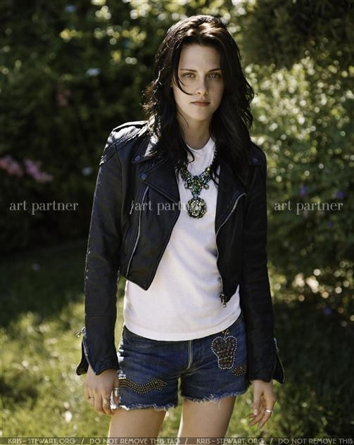 New/Old Outtakes of Kristen for Teen Vogue Magazine