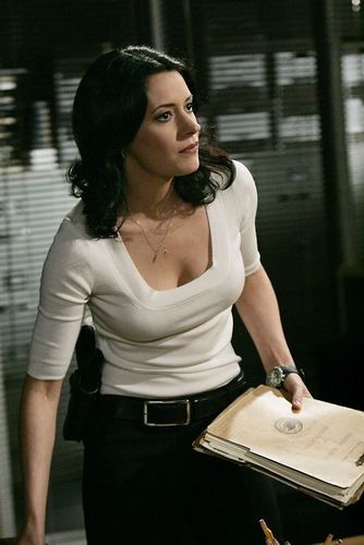 Paget Brewster پیپر وال titled Paget as Emily Prentiss