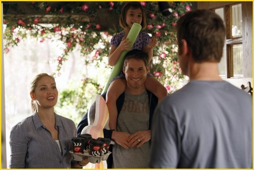"Parenthood Episode 1x03: ""The Deep End of the Pool"" promotional mga litrato"