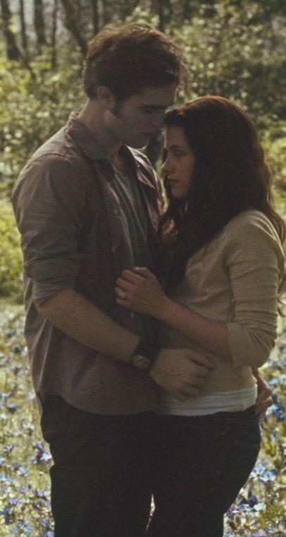 Robert Pattinson Eclipse Trailer Screencaps in HQ