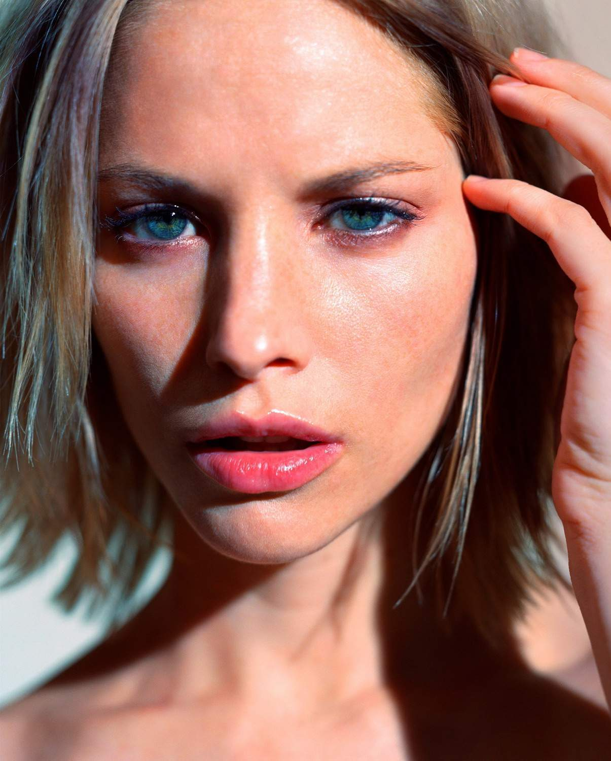 sienna guillory фото
