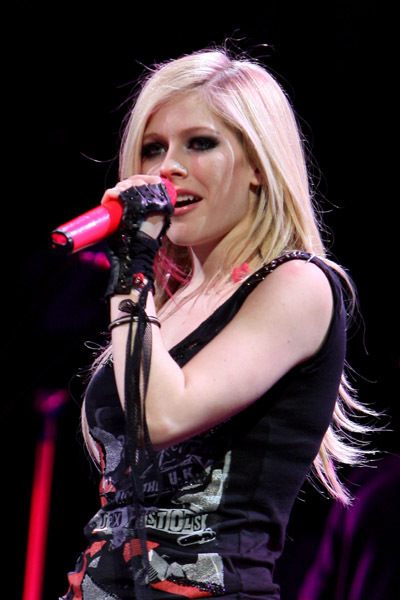 The best damn tour avril lavigne photo 10899831 fanpop