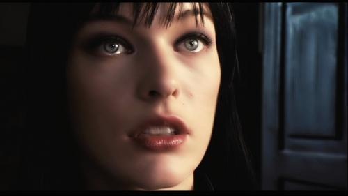 Milla Jovovich karatasi la kupamba ukuta titled Ultraviolet