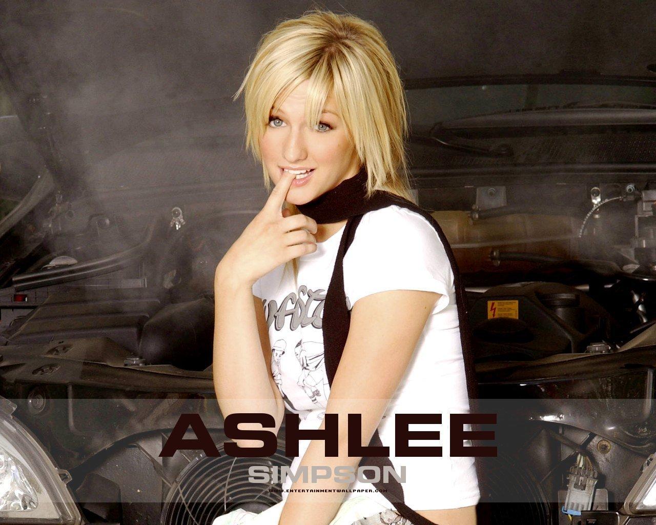 Ashlee Simpson Pictures x px