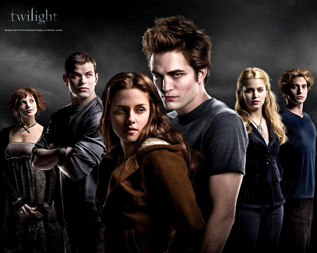 twilight movie If you're a vampire, it's all about you why is edward cullen obsessed to the point of erotomania by bella swan because she smells so yummy, but he doesn't.
