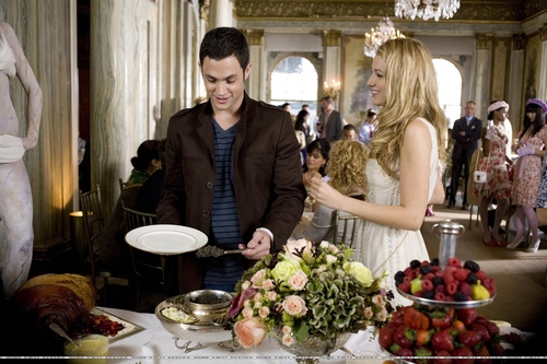 Serena Van Der Woodsen wallpaper titled 1.02 - Episode Stills