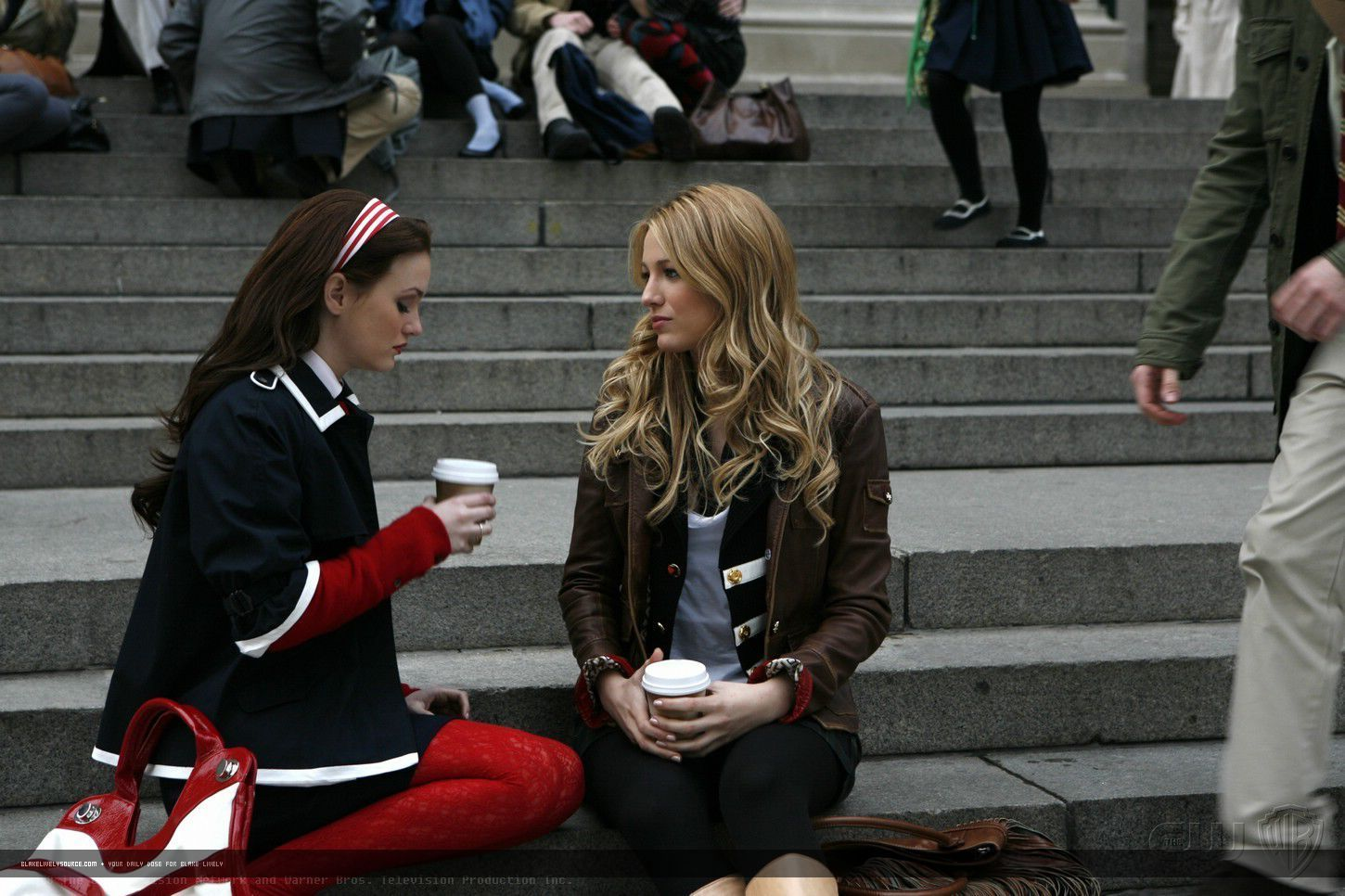http://images2.fanpop.com/image/photos/10900000/1-16-Episode-Stills-serena-van-der-woodsen-10964390-1450-966.jpg