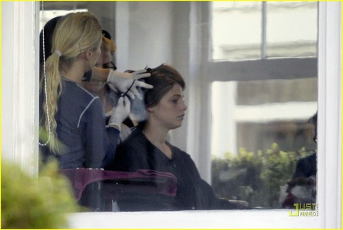 Ashley Greene: Hair Salon Hottie