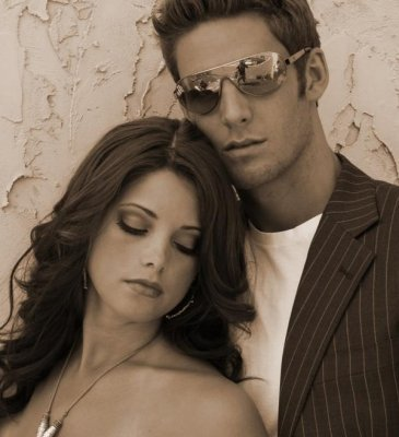 http://images2.fanpop.com/image/photos/10900000/Ashley-ashley-greene-10969402-365-400.jpg