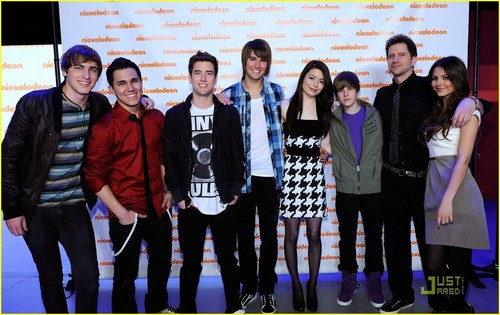 Big Time Rush wolpeyper called Big Time Rush,Miranda Cosgrove, Justin Bieber, Jamie Kennedy, and Victoria Justice