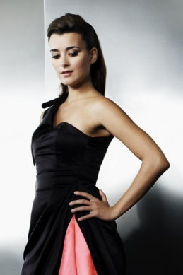 Cote rosa and Black Dress
