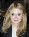 Dakota Fanning in NY - twilight-series photo