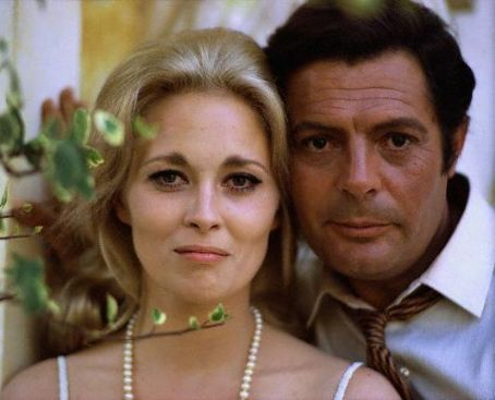 Faye Dunaway and Marcello Mastroianni