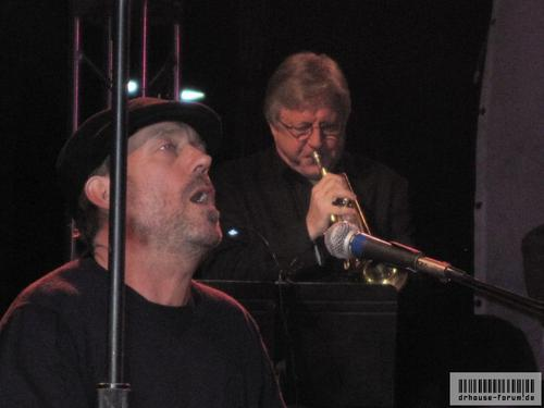 Hugh Laurie - Band from TV @ Loehmann's Costa Mesa