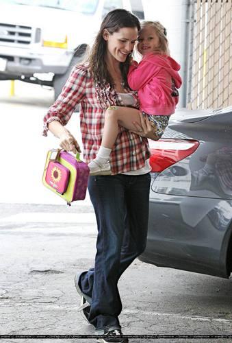 Jennifer & kulay-lila