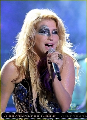 Ke$ha american idol performance