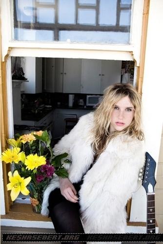 Kesha's 2007 Manuello Paganelli ছবি session