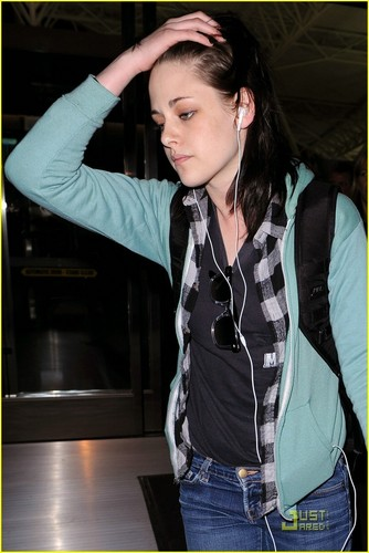 Kristen Arriving in NY