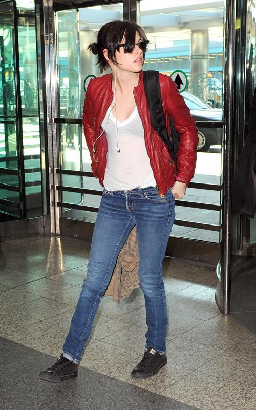 Kristen Stewart: Lovely at LaGuardia
