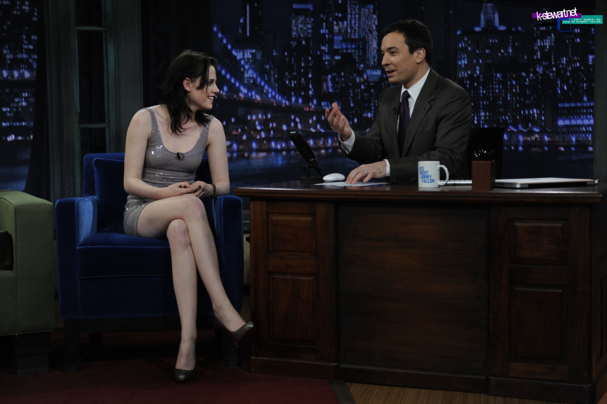 Kristen in Late Night with Jimmy Fallon 3-16-2010