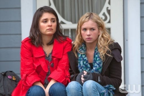"Life Unexpected Episode 1x12: ""Father Unfigured"" promo mga litrato"