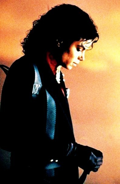 Michael jackson my angel! I l'amour you! we all l'amour you!