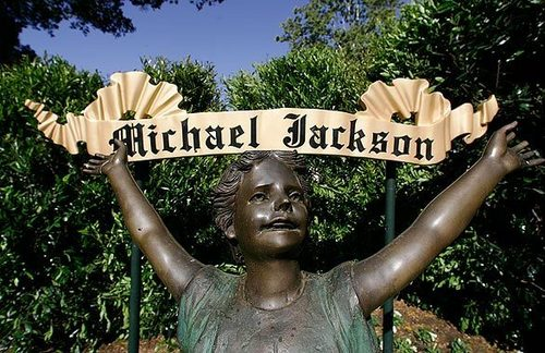 Michael jackson my angel! I love you! we all love you!
