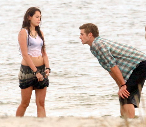 "Miley and Liam Behind the scene ""The Last Song"""