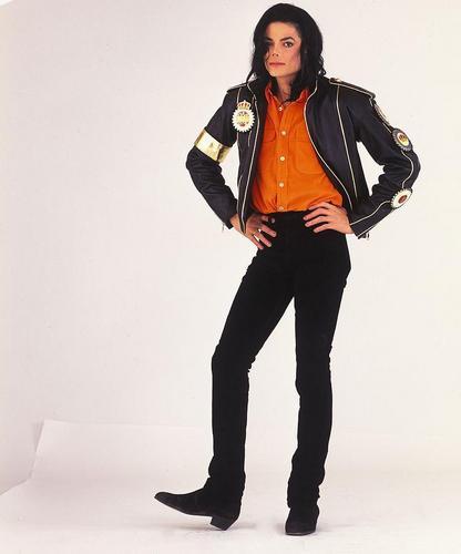 thêm Michael