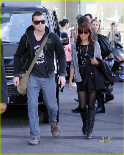 Sam Worthington wallpaper entitled Sam & Natalie Mark in Sydney - March 14