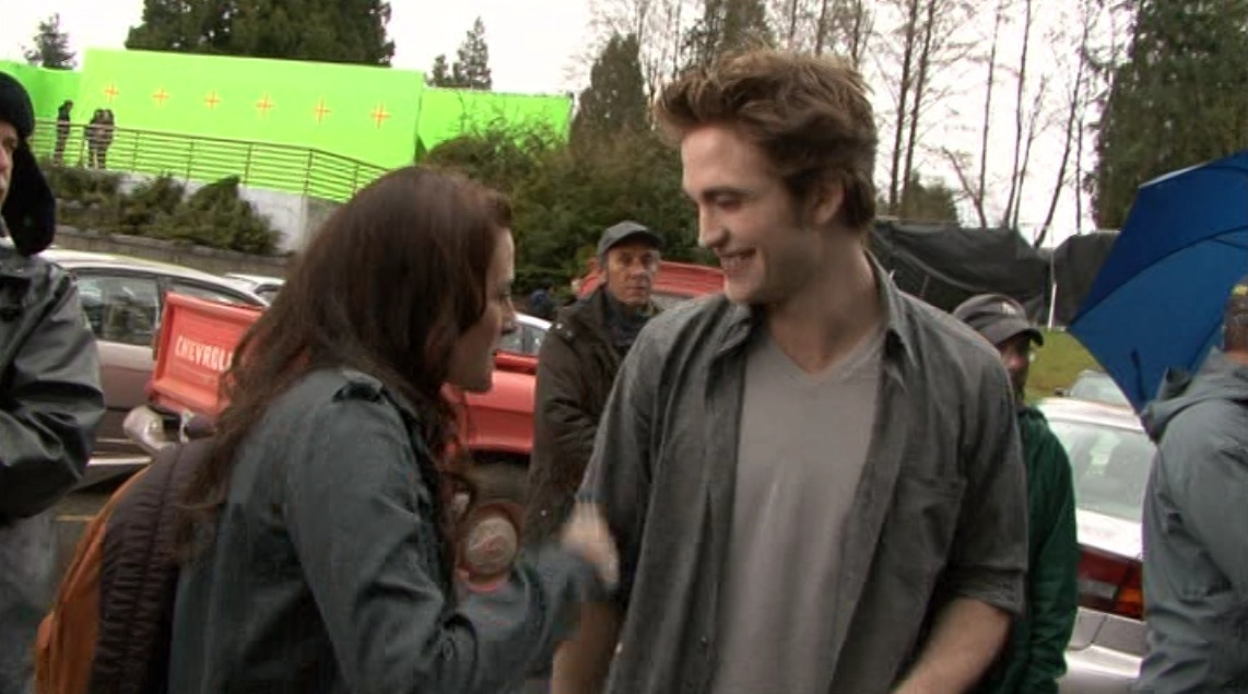 Screencaps from the 'New Moon' DVD Extras